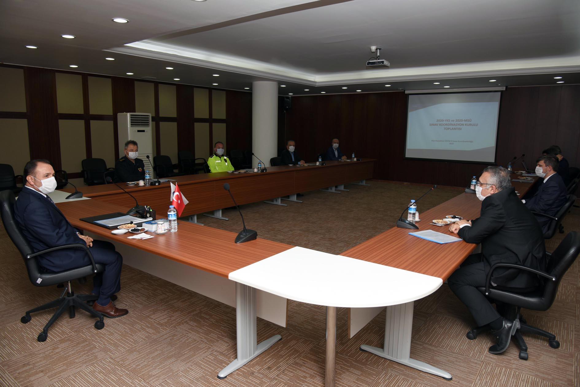 YKS ve MSÜ Sınav Koordinasyon Kurulu Toplantısı Rektör Karakaş Başkanlığında Yapıldı
