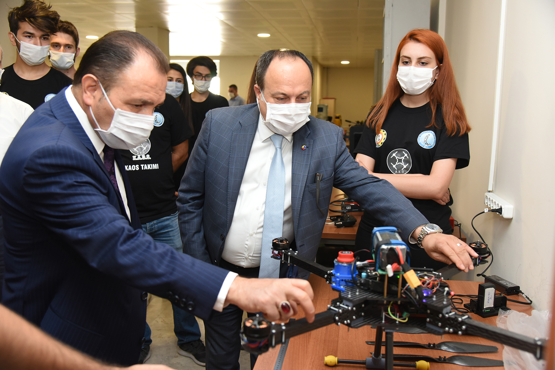Rektör Karakaş ve ATSO Yönetim Kurulu Başkanı Serteser'den K.A.O.S. Takımına Ziyaret